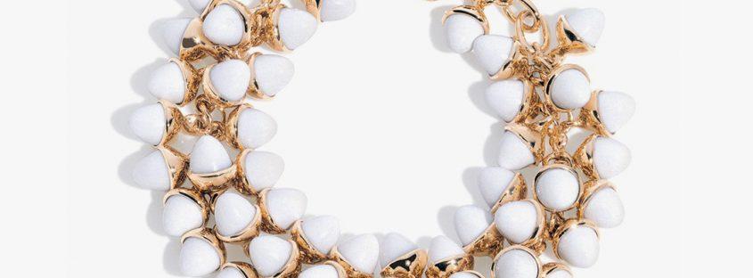 Тренд на заметку: 6 эффектных украшений в белом цвете