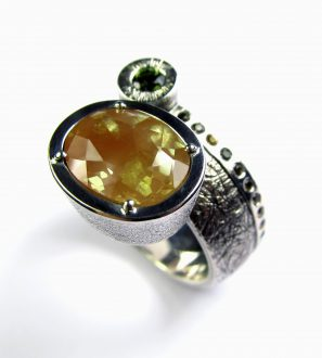 Кольцо с андезином