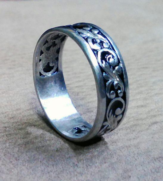 Кольцо с вензилями