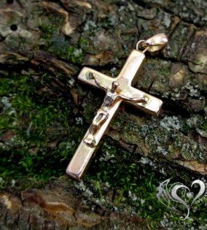 Крест ручной работы