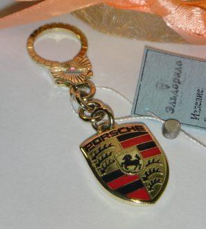 """Брелок """"Porsche"""" двусторонний из желтого золота с эмалью"""