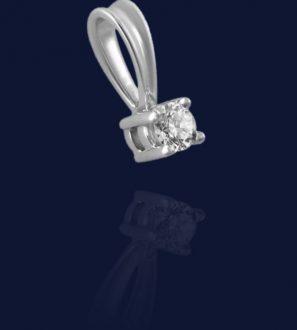 Подвеска с бриллиантом