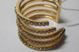 Кольцо, золото 750, вес 7,13 грамм, размер 17, бриллианты 3/5, 0