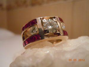 Золотое кольцо 585 пробы.Рубины,муассаниты DSCN0970