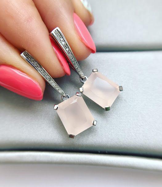 Серьги с бриллиантами и розовым кварцем