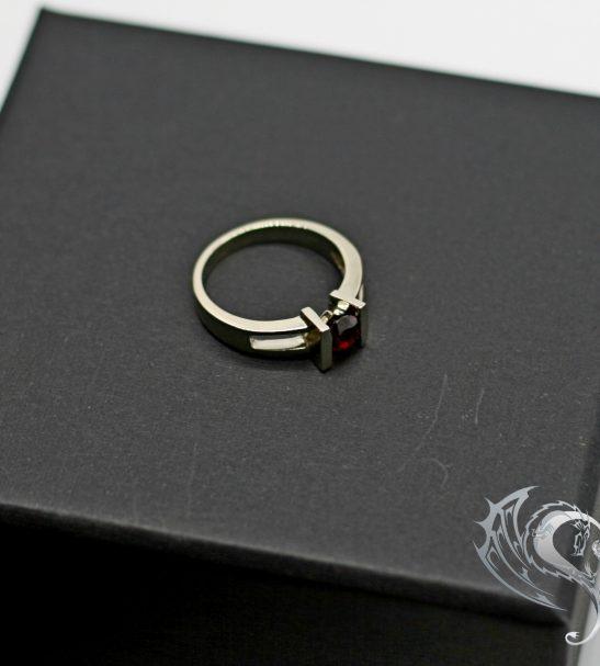 """Помолвочное кольцо """"One Love"""""""