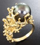 Золотое кольцо с морской жемчужиной и бриллиантами